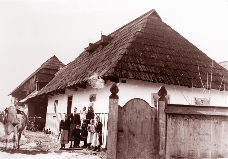 Tóth Marci János István és családja. Fotó: Bognóczky Géza református lelkész 1941. április 3.