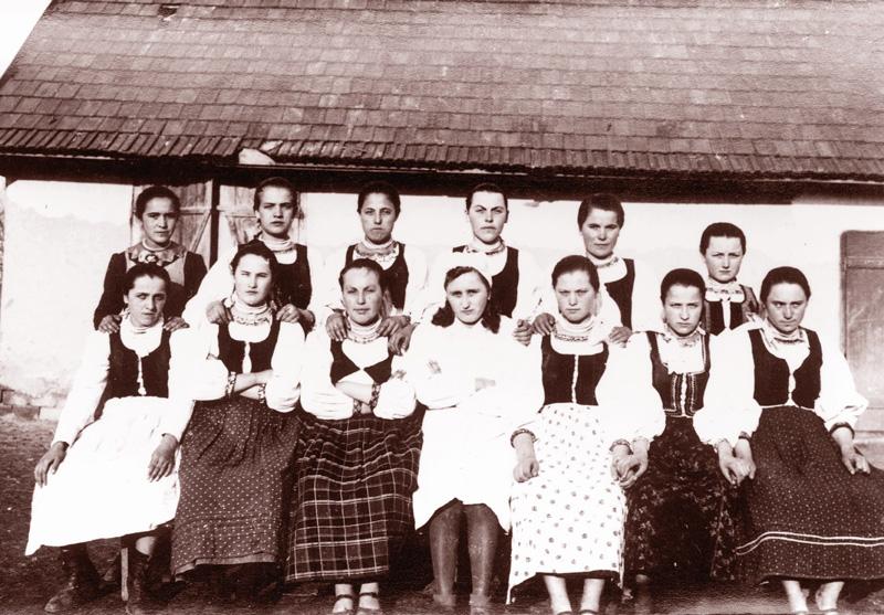 Főzőtanfolyamot végzett lányok.  Fotó: Bognóczky Géza református lelkész 1941. június